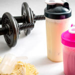 Что лучше: казеин или сывороточный протеин и чем они отличаются