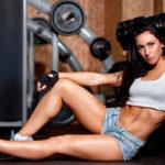 Эффективные упражнения в тренажерном зале для сжигания жира на животе